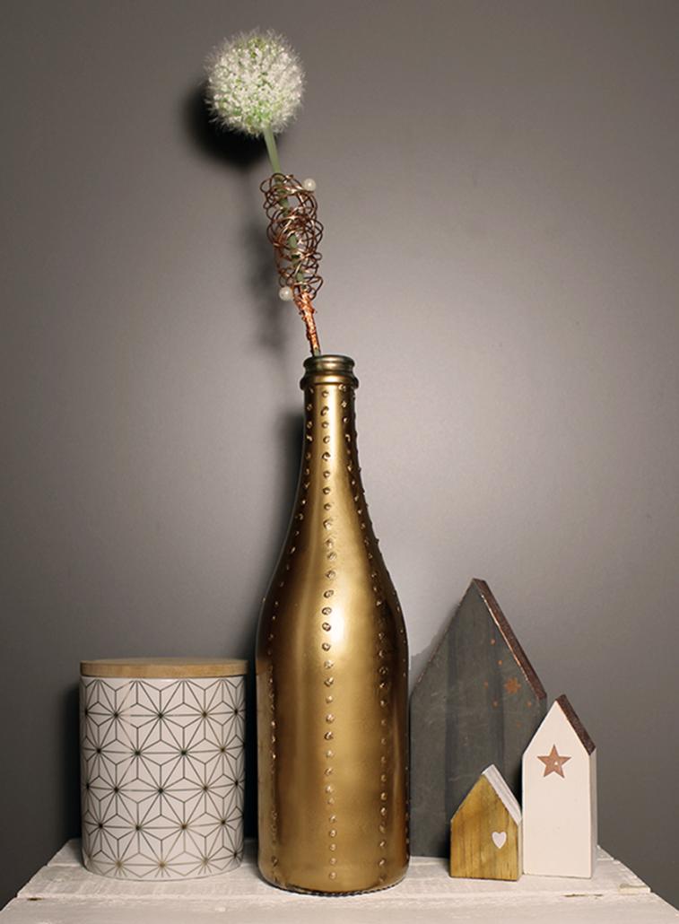 Kupfer Vase mit Punkten